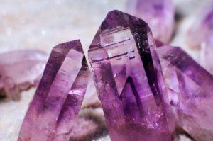 cristalli di ametista viola